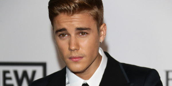 Justin Bieber seeks treatment for sprained wrist