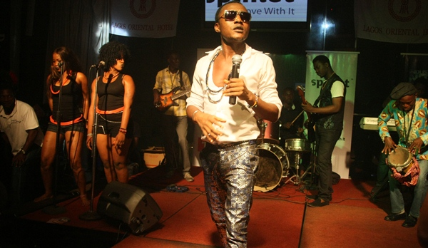 W4 launches his 'Wonda Band' at Industry Nite