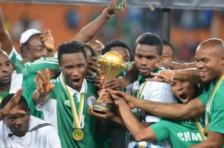 Naira rain: Globacom boss gives Super Eagles $1m