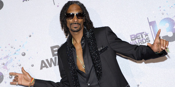 Snoop Dogg retains seat as BET Awards host