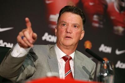 Louis van Gaal doesn't think Ronaldo or Messi should be Ballon d'Or winner