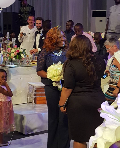 #YoruFrench2015: Sasha catches the bouquet at Tosyn Bucknor's wedding