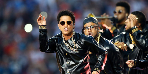 Bruno Mars hints 2018 Super Bowl performance
