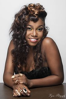 #Headies2018: What Went Wrong With Niniola On Stage?