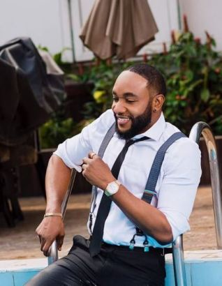 Kcee Releases New Video For Single 'Burn' featuring Sarkodie