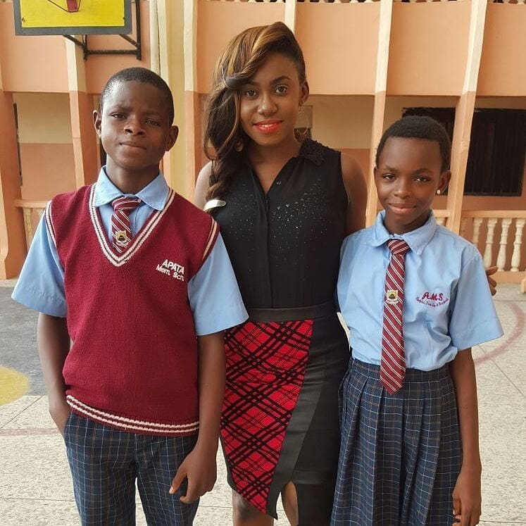 """Like Her Father, Singer Niniola Gives Back To The Society With Her """"Adopt A Child's Education"""" Foundation"""
