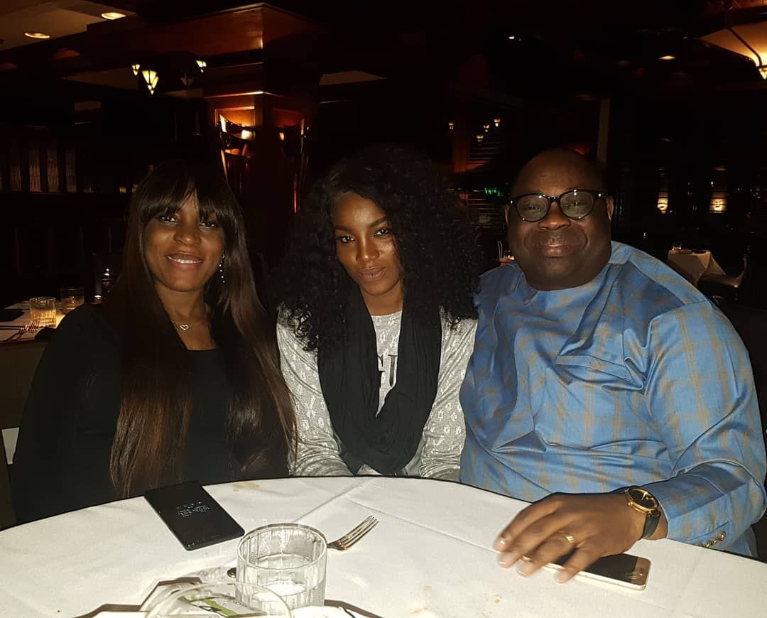 Dele Momodu Hosts Linda Ikeji, Her Mum And Seyi Shay To Dinner In Atlanta