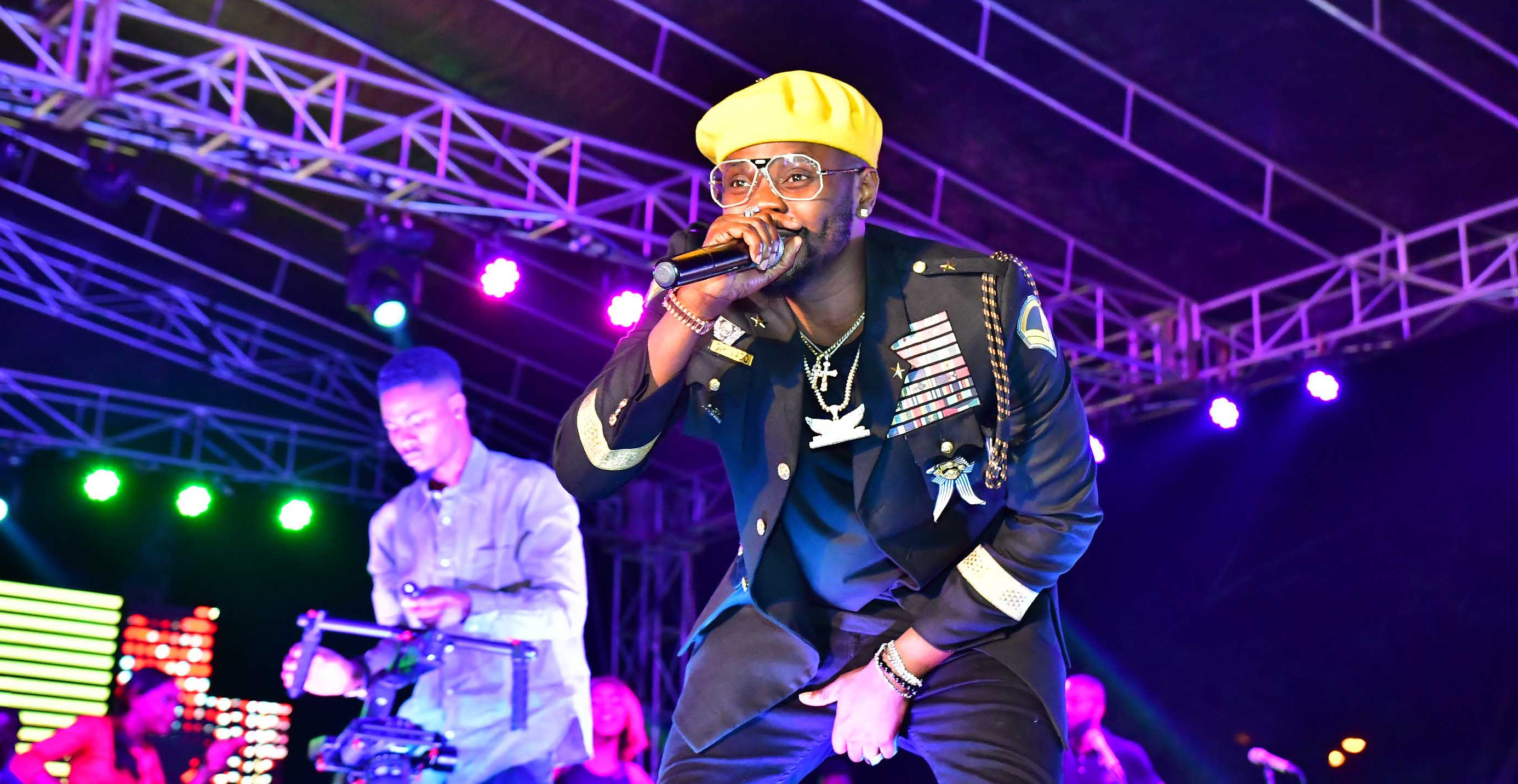 "Kizz Daniel, Phyno, Simi, Pasuma Shut Down Lagos At ""33"" Export City of Friends Concert"