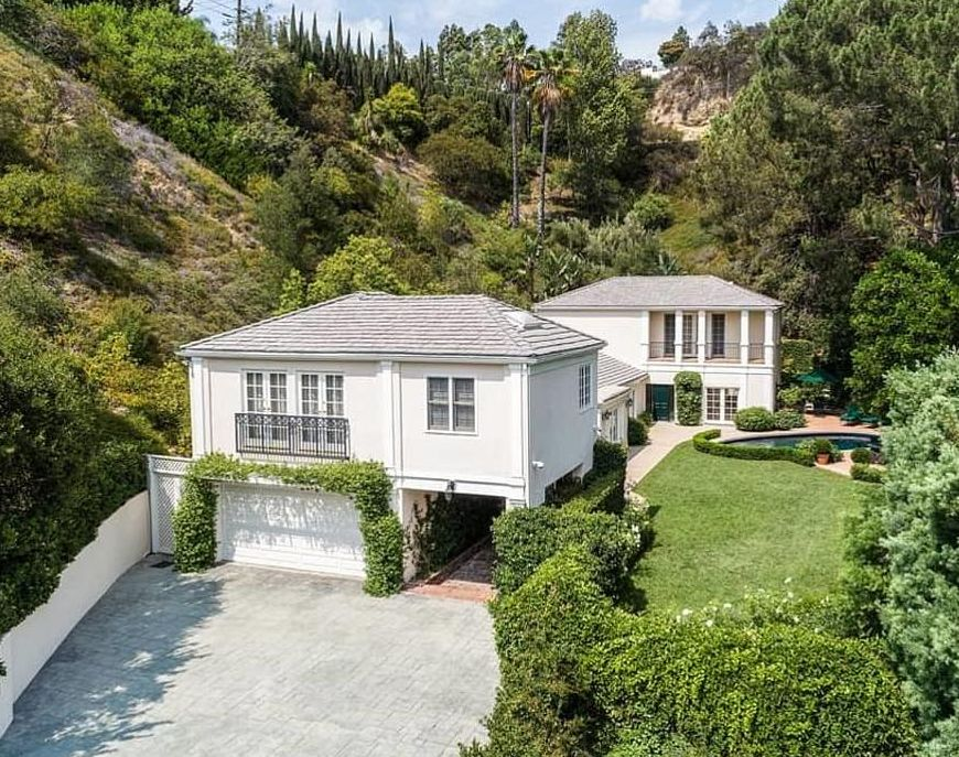 Katy Perry Buys New $7.5 Million 4 Bedroom Guest House Just For Family And Friends