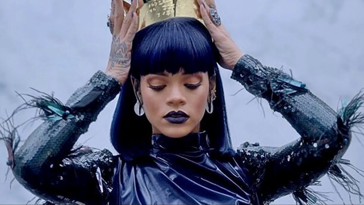 Rihanna Reportedly Rejects Super Bowl Halftime Performance in Support of Colin Kaepernick
