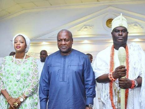 Ooni Of Ife, Oba Adeyeye Ogunwusi And Olori Shilekunola Host Former Ghanian President, John Mahama