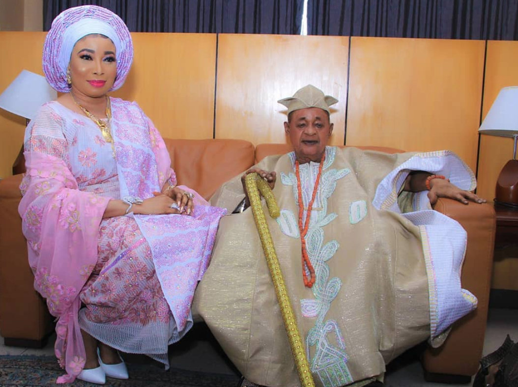Yoruba Actress Lizzy Anjorin Wants You To Know She's Not Married To The Alaafin Of Oyo
