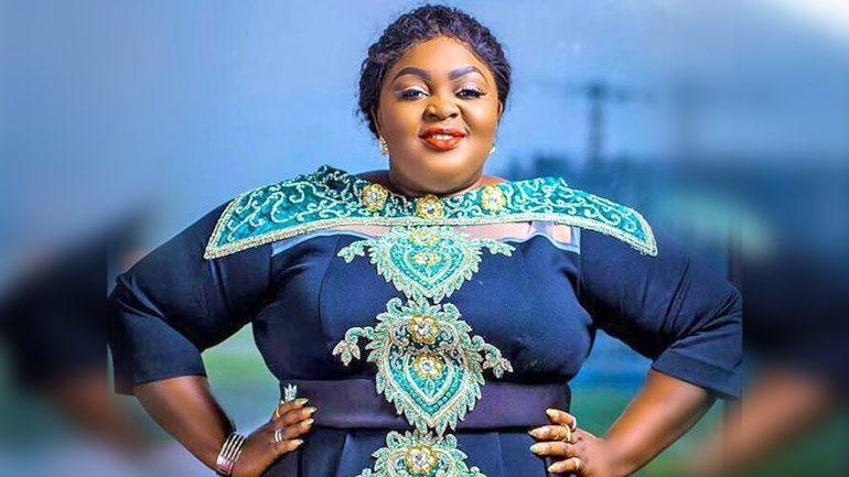 Nollywood Actress, Eniola Badmus Slams Uche Ogbodo, Calls Her Ugly