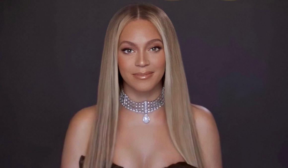Beyoncé Wins BET Humanitarian Award